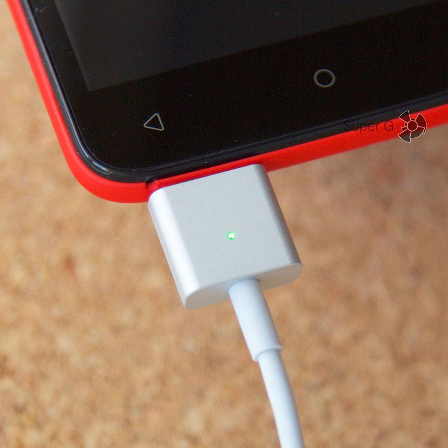 Магнитный кабель Micro USB можно вставлять любой стороной