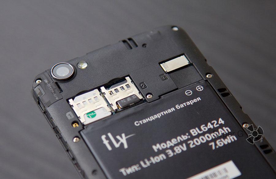 Fly Nimbus 7 поддерживает работу с двумя SIM-картами и карточкой памяти