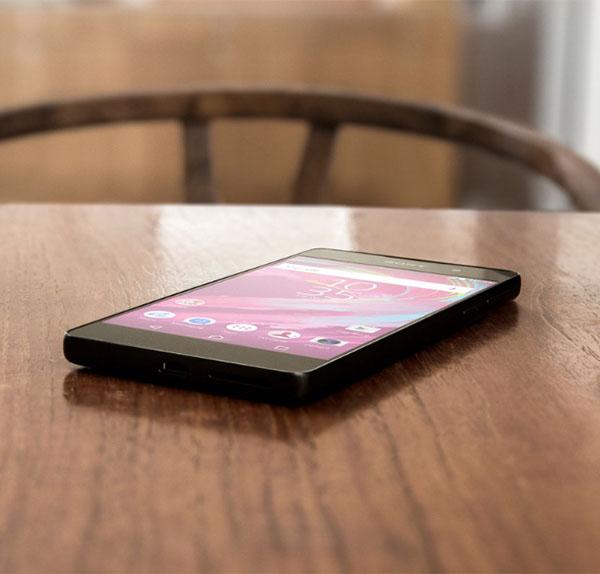 Черный Sony Xperia E5 дата выхода