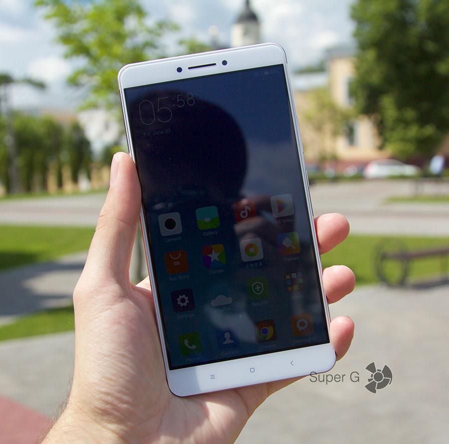 Поведение дисплея Xiaomi Mi Max на солнце