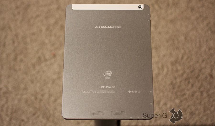 Teclast X98 Plus 3G имеет металлический корпус