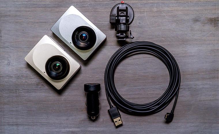 Комплектация Xiaomi Yi Dashcam