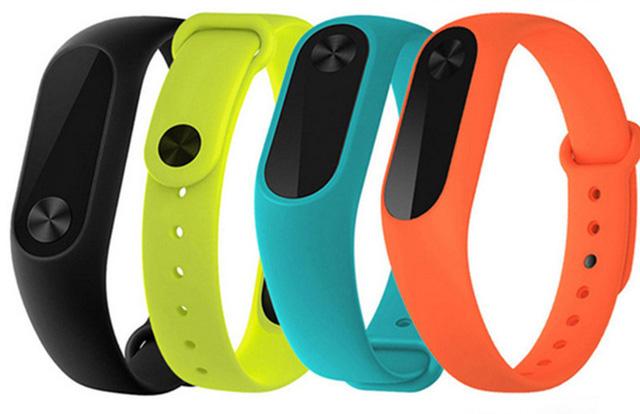 Цветные ремешки для Xiaomi Mi Band 2
