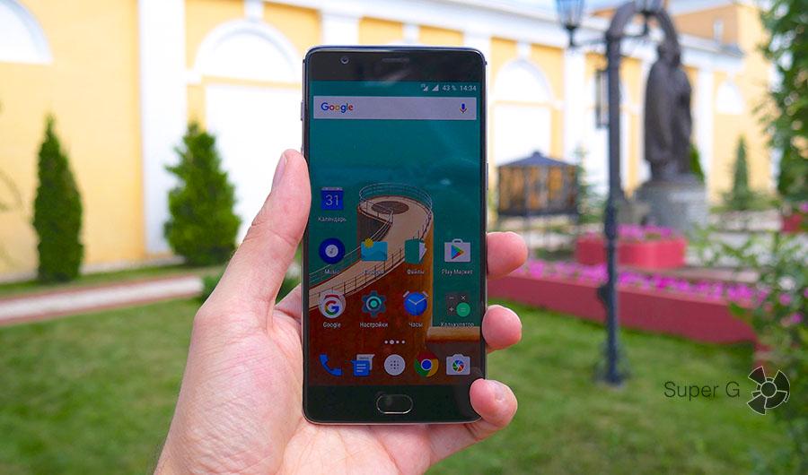 OnePlus 3 легко управляется одной рукой