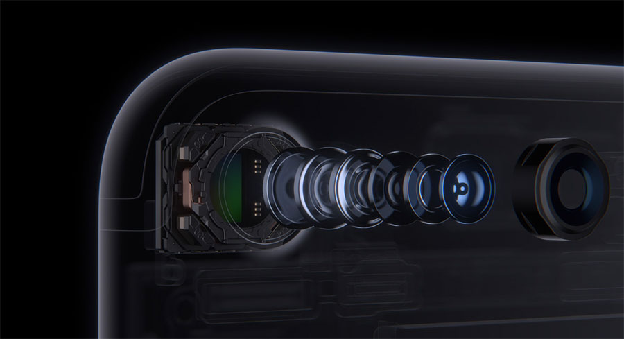 Объектив фотокамеры iPhone 7