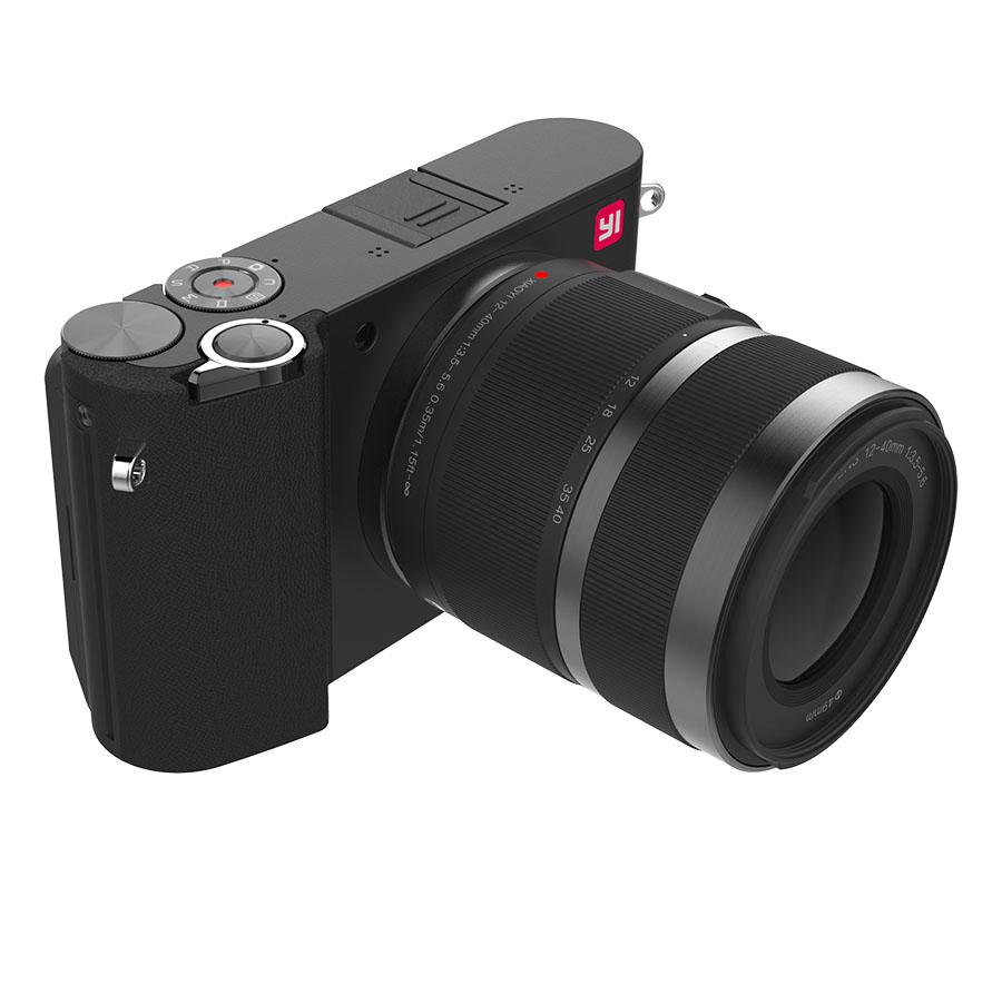 Черная камера Yi M1