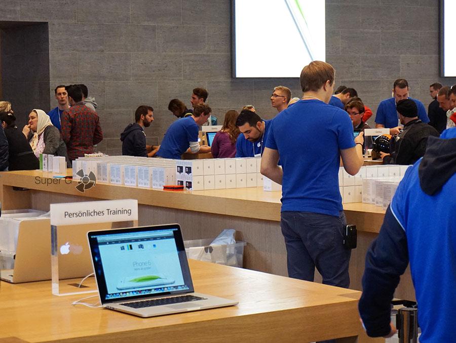 Так выглядел старт продаж iPhone 6 в 2014 году