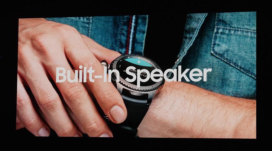 Samsung Gear S3 оснащены динамиком