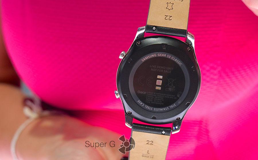 Встроенный в Samsung Gear S3 пульсометр