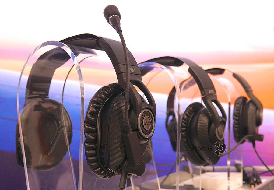 AKG AV100 - наушники для пилотов