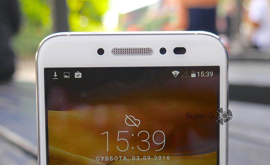 Качество фото с фронтальной камеры Alcatel Shine Lite