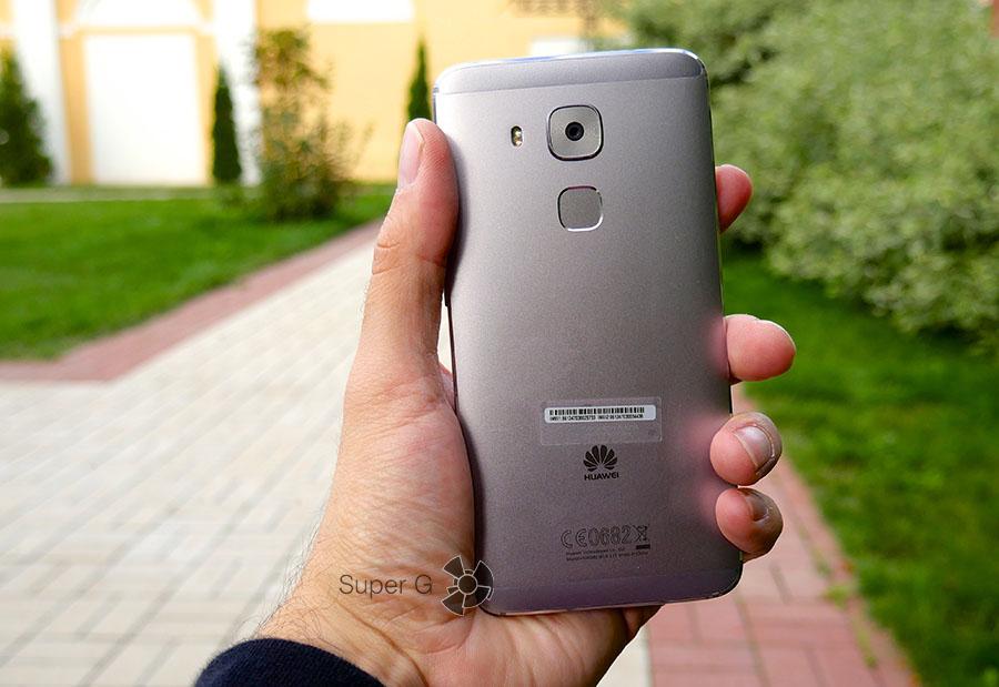 Эргономика Huawei Nova Plus