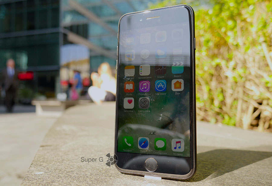 Отпечатки пальцев на экране iPhone 7