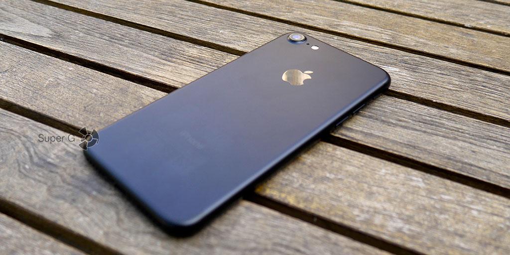 Черный цвет iPhone 7