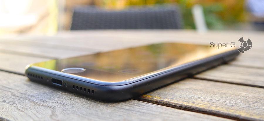 iPhone 7 оснащен разъемом Lightning