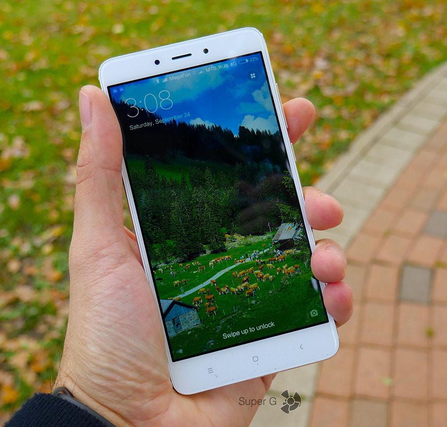Поведение дисплея Xiaomi Redmi Note 4 на солнце