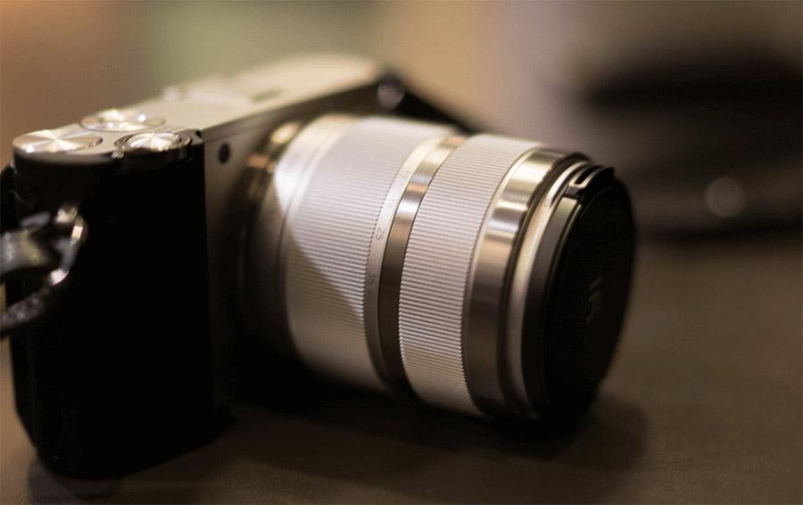Yi M1 - черная, беззеркальная камера