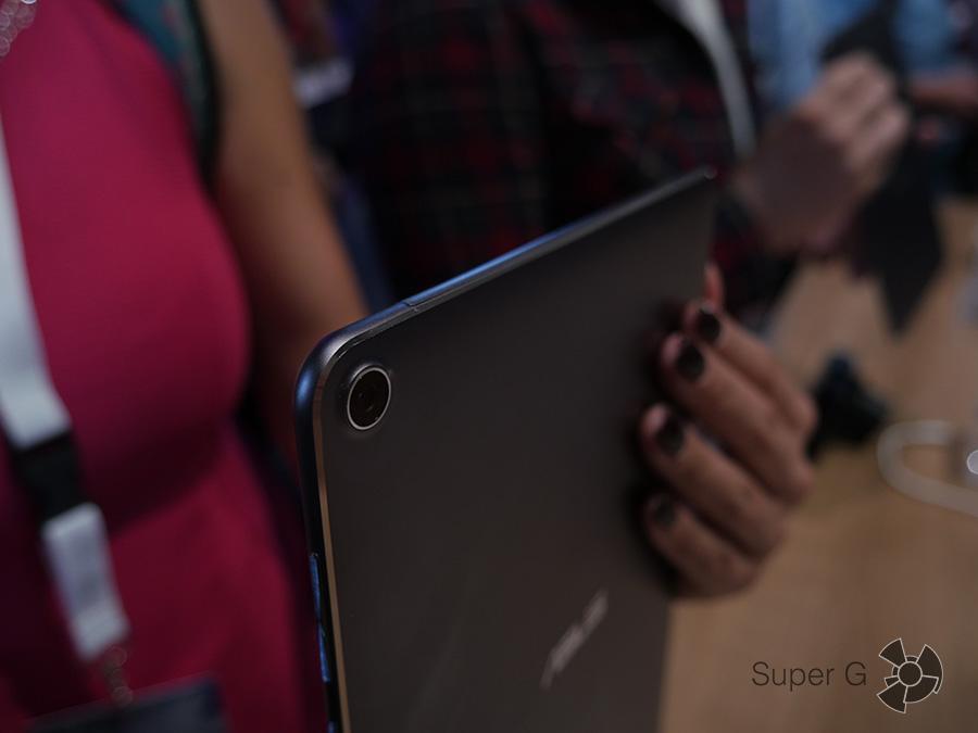 IFA 2016: ZenPad 3S 10 - тыловая камера