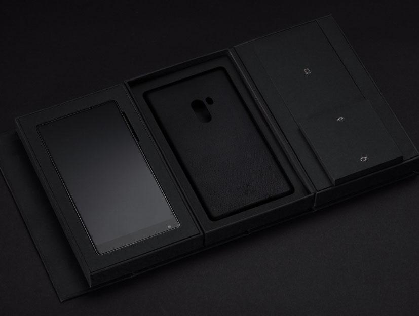 Кожаный чехол для Xiaomi MIX будет идти в комплекте к старшей версии