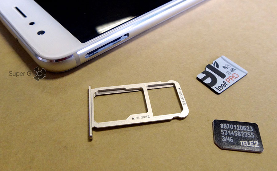 honor slot for SIM and Flash