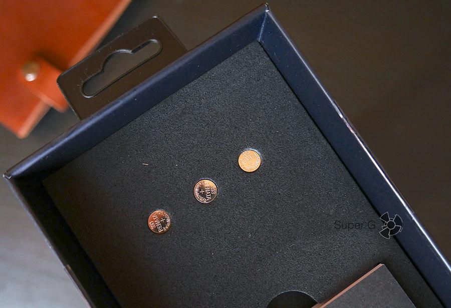 Misfit Ray питается от трех батареек типа 393
