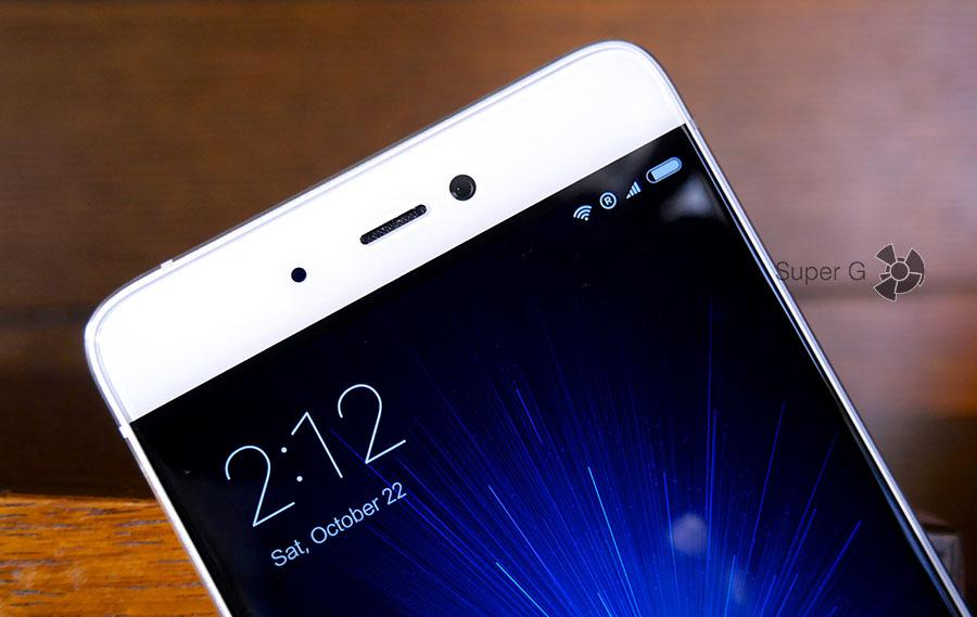 Боковые рамки дисплея Xiaomi Mi5S практически не видны (нужны правильно подобранные обои)