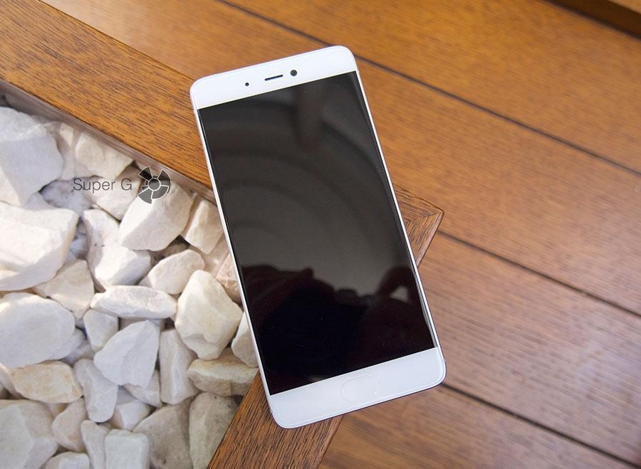 Дисплей Xiaomi Mi5S в выключенном состоянии