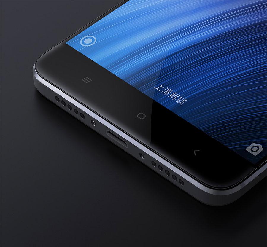 Защитное стекло экрана в Xiaomi Redmi 4 изогнутое 2.5D