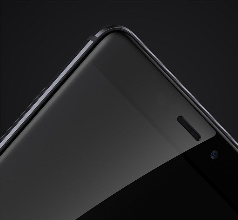 Защитное стекло экрана в Xiaomi Redmi 4 изогнутое по краям