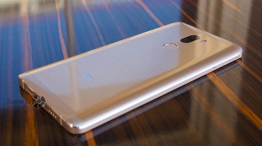 Смартфон Xiaomi Mi5S Plus на 64 ГБ