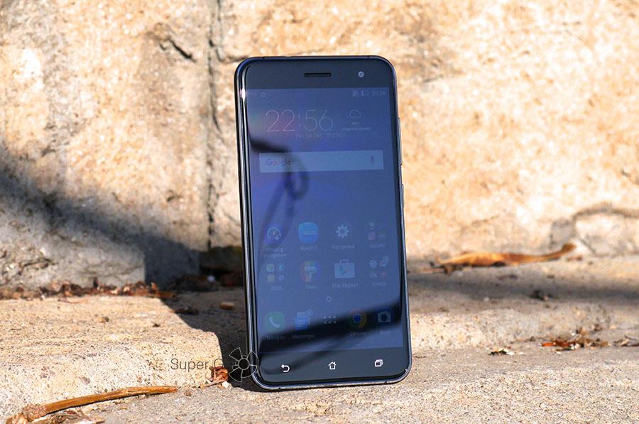 Поведение экрана Asus Zenfone 3 на солнце
