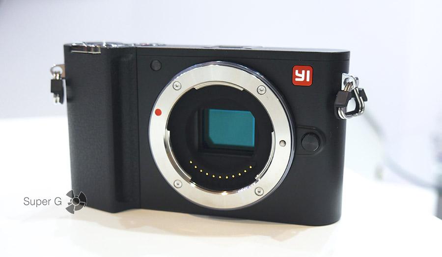 Краткий обзор беззеркальной камеры Yi M1