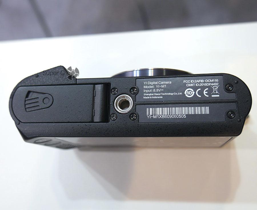 Беззеркальная камера Yi M1 и цена на неё