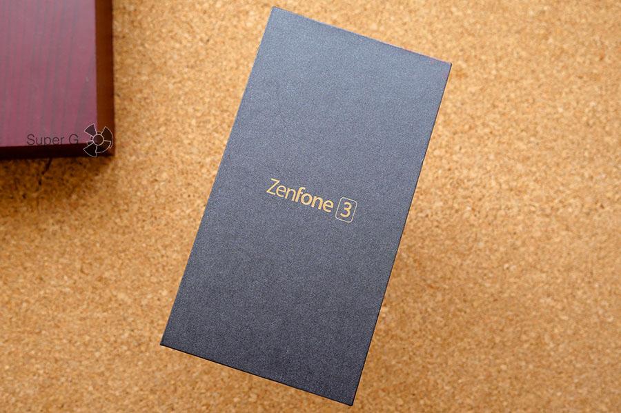 Упаковка из-под Asus Zenfone 3