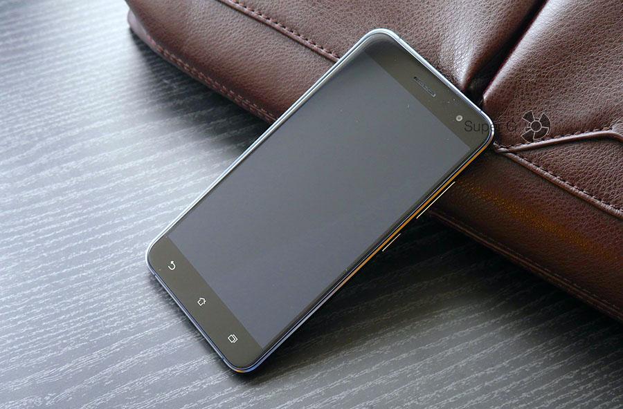 Дисплей в Asus Zenfone 3 выключен