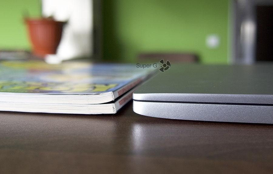 Толщина Xiaomi Mi Book Air 12.5 сопоставима с двумя журналами Популярной Механики