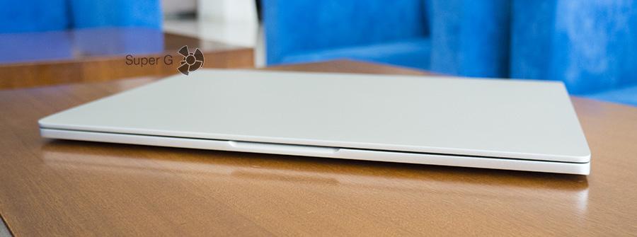 Передний торец ноутбука Xiaomi Mi Book Air 12.5