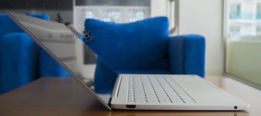 Максимальный угол открытия крышки ноутбука - 135 градусов