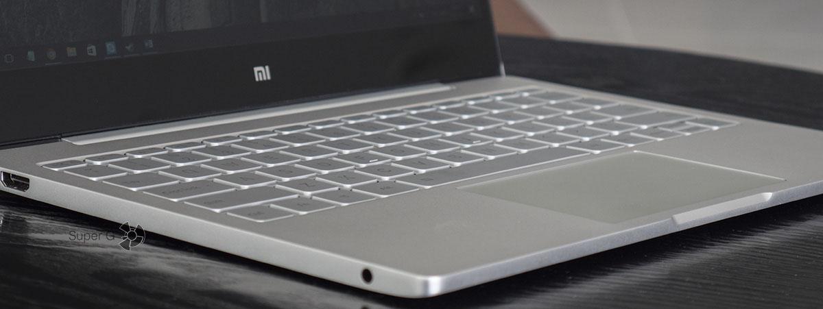 Клавиатура Xiaomi Mi Book Air 12.5 не оставляет следов на экране