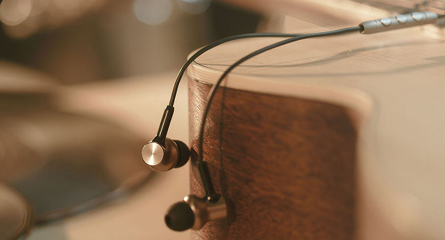 Xiaomi Mi In-Ear Headphones Pro HD купить со скидкой