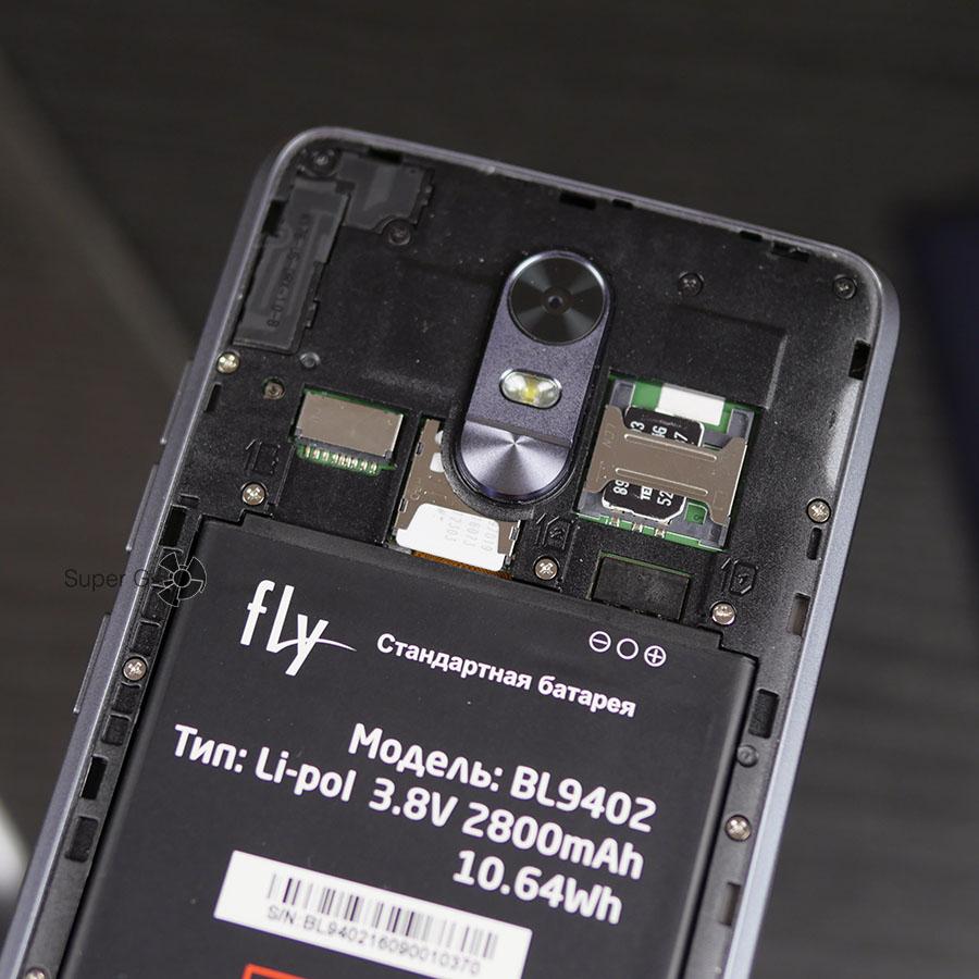 Лотки для SIM-карт и Micro SD в Fly Cirrus 9 FS553 разделены