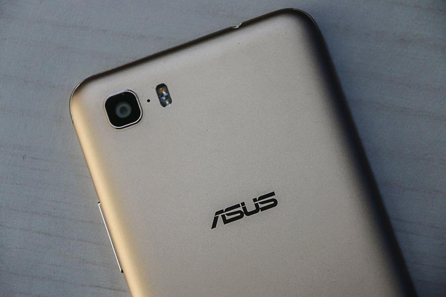 Asus Zenfone 3s Max вид сзади