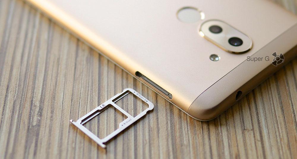 """Лоток под SIM-карты в Honor 6X комбинированный - можно ставить одну """"симку"""" + ещё одну либо карточку Micro SD"""
