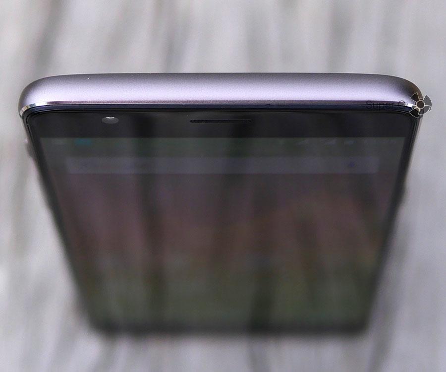 Верхний торец смартфона OnePlus 3T