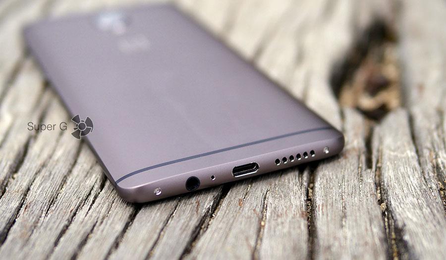 Пластиковые антенны на спинке смартфона OnePlus 3T