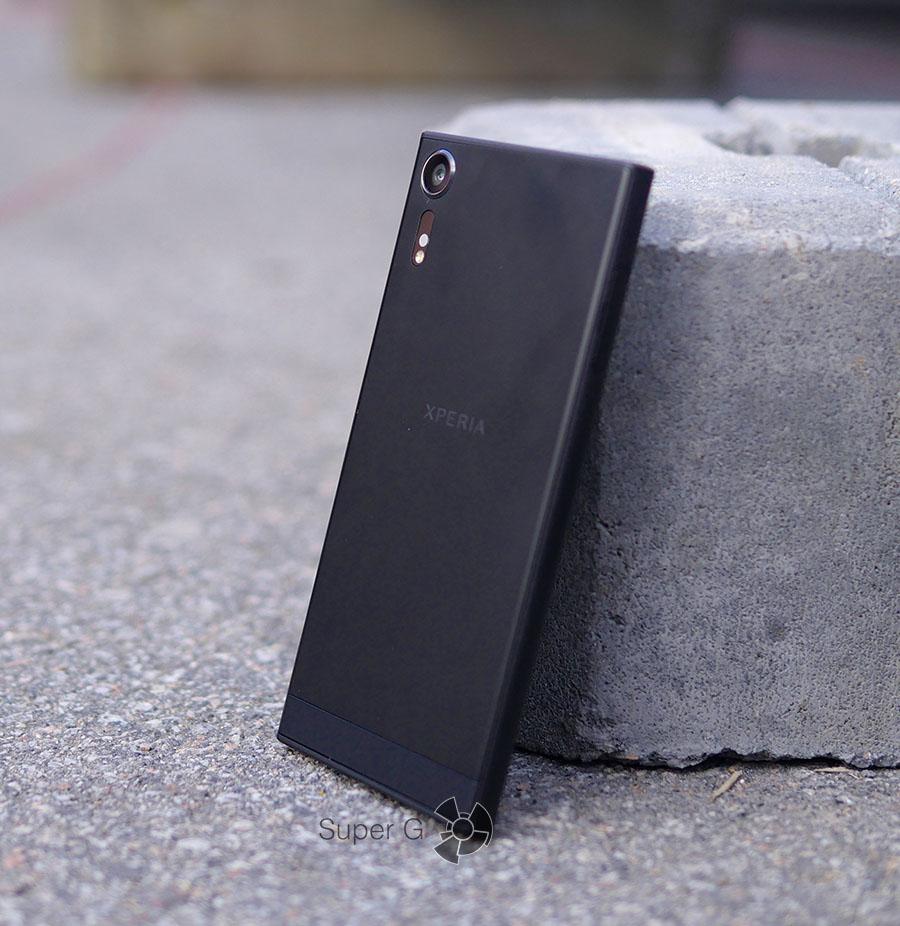 Смартфон Sony XZs