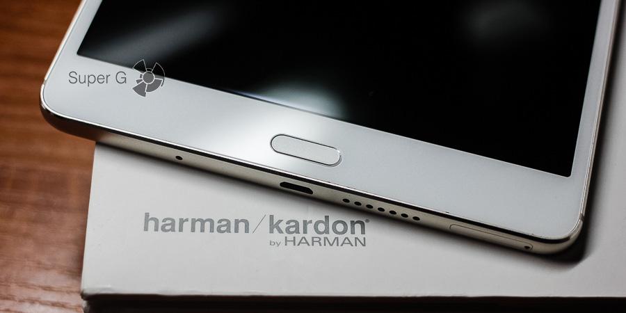 Лицевая сторона Huawei MediaPad M3