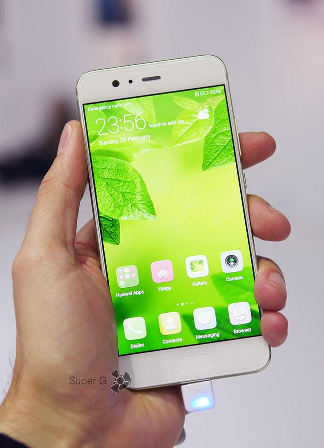 Зеленый Huawei P10 (вид спереди)