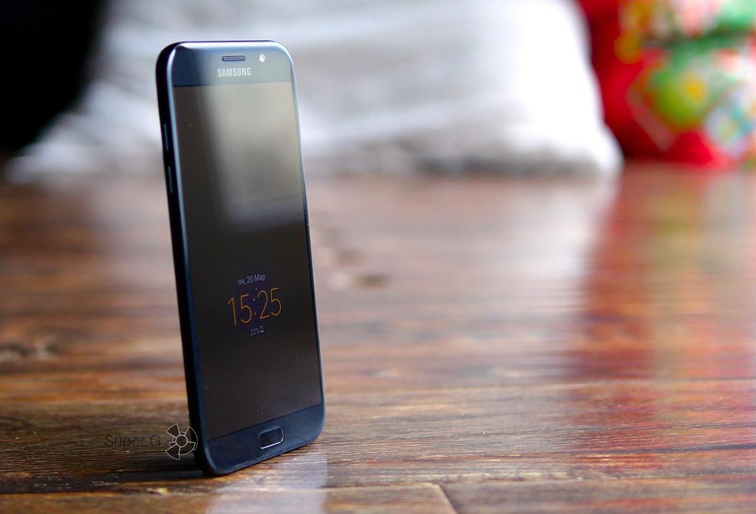 Чёрный Samsung Galaxy A7 (2017)