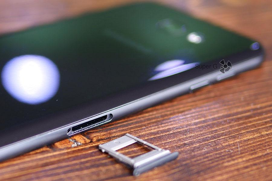 Второй лоток только под SIM-карту Samsung Galaxy A7 (2017)